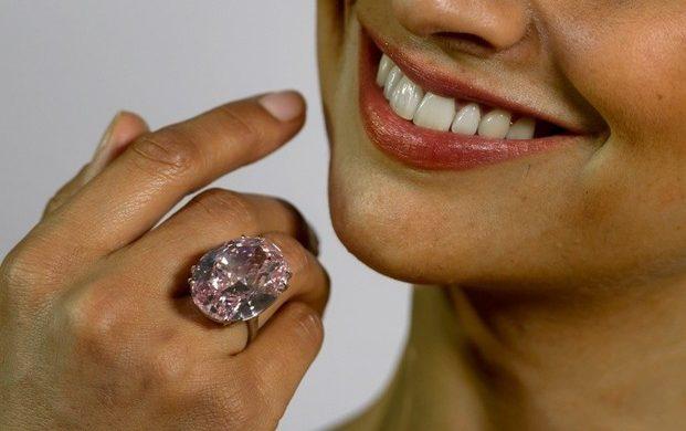 Žiedai su brangakmeniais